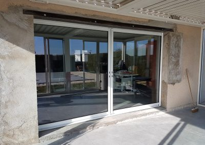 20190226 101536 400x284 - Installation d'un coulissant K-Line 2 vantaux à galandage 3400mm de largeur